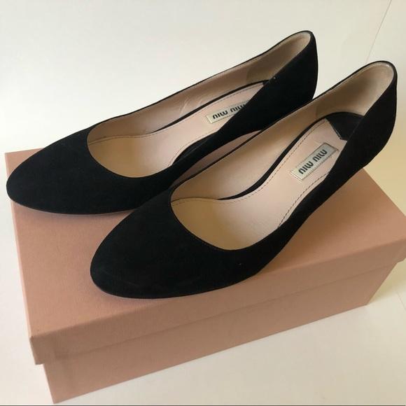 75e421b8a146 Miu Miu black suede kitten heels size 39. Miu Miu.  M_5b8598e512995522bfc5472b. M_5b8598e6800deedffc69eafb.  M_5b8598e8c2e88ef11b32b94d